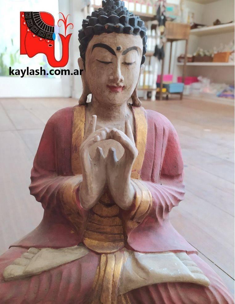 Buda de madera antique Origen: Indonesia