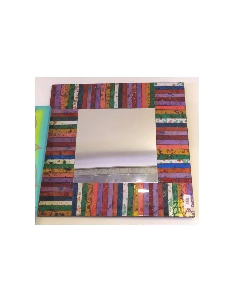 Espejos vidrios color en forma de listones Origen: Indonesia