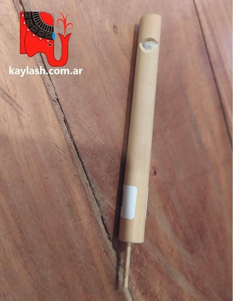 Silbato de madera de bambú